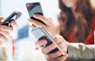 Gli italiani passano 45 ore al mese connessi da Mobile