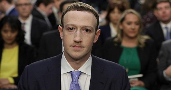 Il mea culpa di Mark Zuckerberg al Congresso dopo lo scandalo Cambridge Analytica