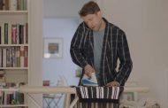 Indesit lancia la campagna #DoItTogether per invitare a una maggiore collaborazione nei lavori di casa