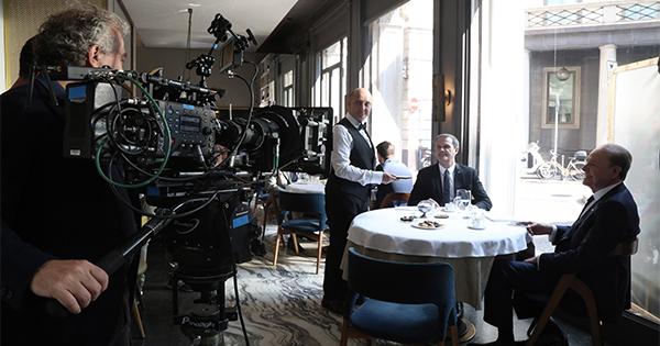Ennio Doris e Massimo Doris insieme nel nuovo spot di Banca Mediolanum e Apple Pay