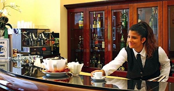 Estate d'oro per il turismo a Napoli: la testimonianza di Le Cheminèe Business & Congress Hotel