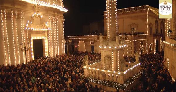 Ferrero Rocher e BCube riaccendono la luce di Presicce a Natale