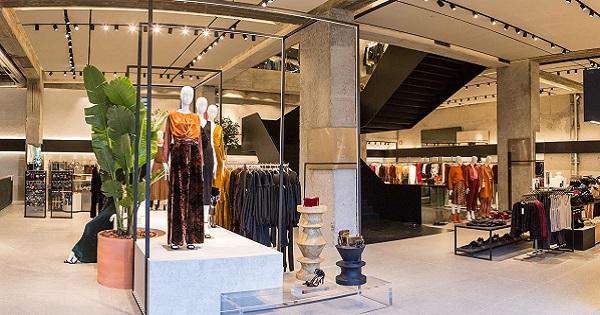 check out 483ce 4c2c1 Mango inaugura il nuovo flagship store in Plaza Dos ...
