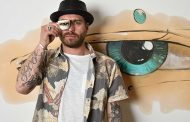 """illycaffè lancia la nuova illy Art Collection """"Coffee Drawings"""" firmata da Max Petrone"""