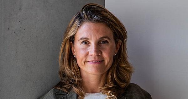 Elvira Carzaniga è il nuovo Direttore Surface nella Divisione Marketing & Operations di Microsoft Italia
