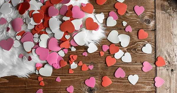 A San Valentino conta il pensiero. Il sondaggio di Trustpilot: la metà degli intervistati acquista online e dichiara apertamente il proprio gradimento in merito al regalo scelto dal partner