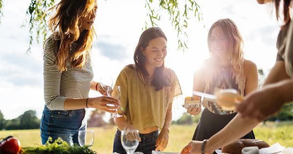 I dati di Pasqua e Pasquetta 2019: si prenota prima e si mangia alla carta