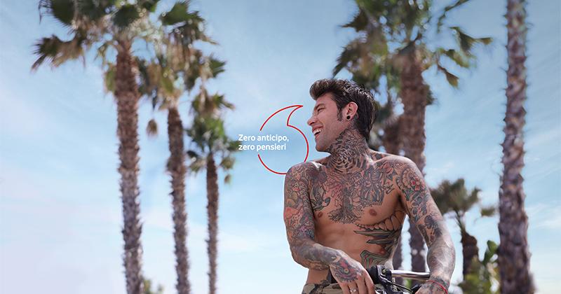Vodafone torna on air per un'estate senza pensieri: Fedez ancora testimonial