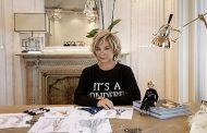 Barbie prosegue con il suo impegno nel Dream Gap Project e celebra la stilista Alberta Ferretti