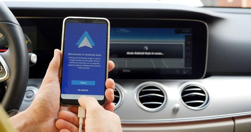 L'auto è social: i 5 migliori sistemi di infotainment per essere connessi e sicuri alla guida