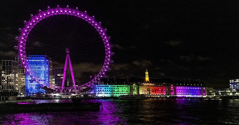 Londra si illumina di rosa con il lastminute.com London Eye