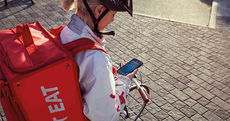 Nel food delivery aumentano i pagamenti digitali: i dati di Just Eat
