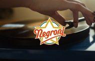 Tiromancino reinterpretano il jingle della stella Negroni nel nuovo spot
