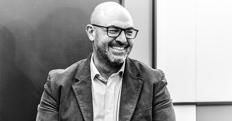 Lorenzo Dossena e The Van lanciano Blueroads, agenzia di live communication