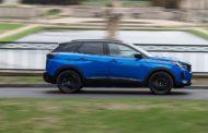 Peugeot ed ecosostenibilità: perché guidare un'auto con la spina è cool?